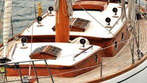 Luxury Sailing Yachts